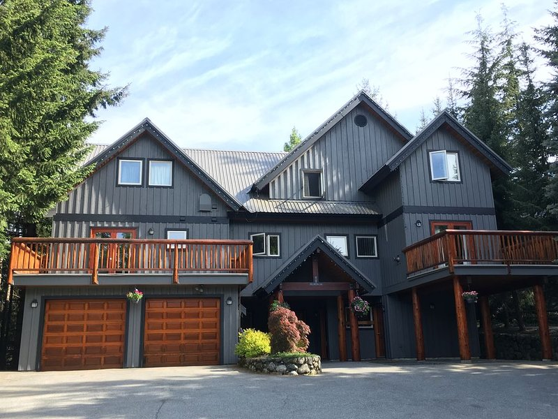 Affordable Whistler Luxury Vacation Home, vacation rental in Whistler