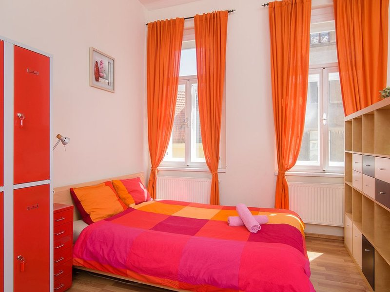 Double bed 3-4 in dormitory room in apt. TALIA., holiday rental in Prague