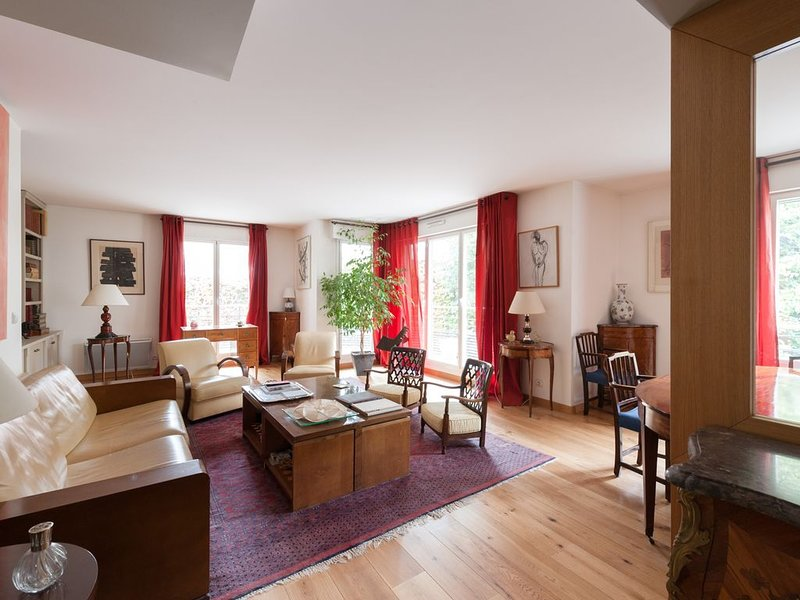 Rue Copernic II by onefinestay, holiday rental in Neuilly-sur-Seine