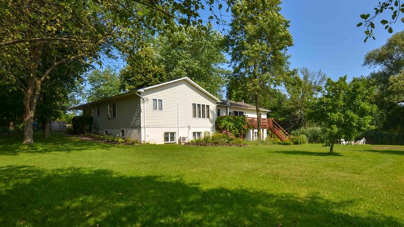 Lake Orchard View: 'Seneca Lake Paradise Found!', holiday rental in Geneva