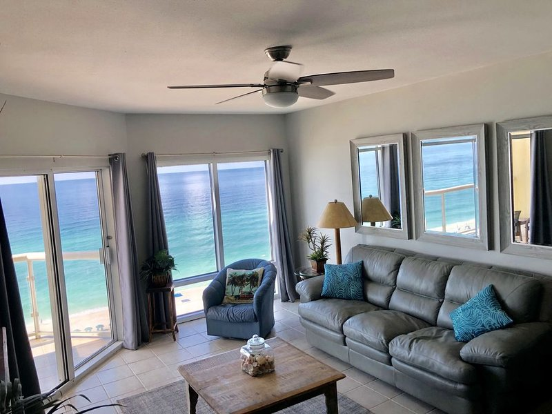 Spectacular 5 Star Gulf Front Condo on Pensacola Beach, Emerald Isle #1206, vacation rental in Pensacola Beach