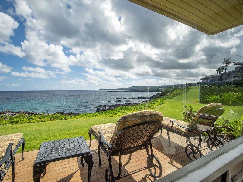 Kapalua Bay Villa Stunning Panoramic Ocean Views!, alquiler de vacaciones en Kapalua