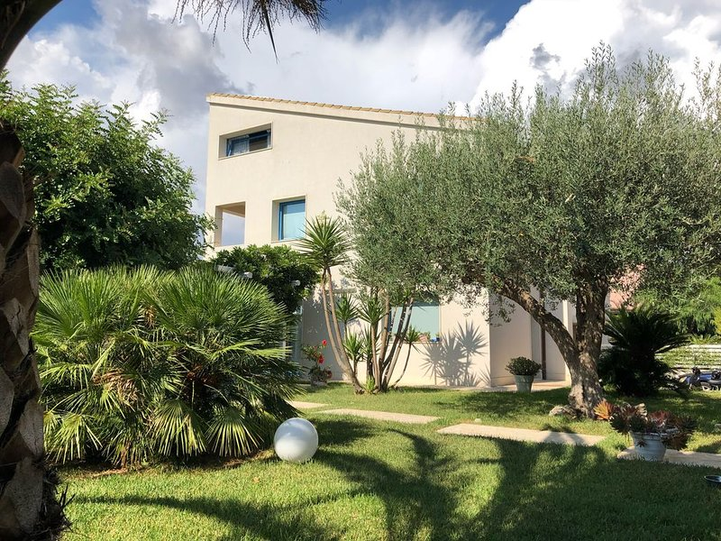 Clara holiday home..., location de vacances à Ragusa