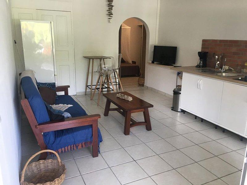 Coquets F2 en Rez de Villa, Ferienwohnung in Ducos