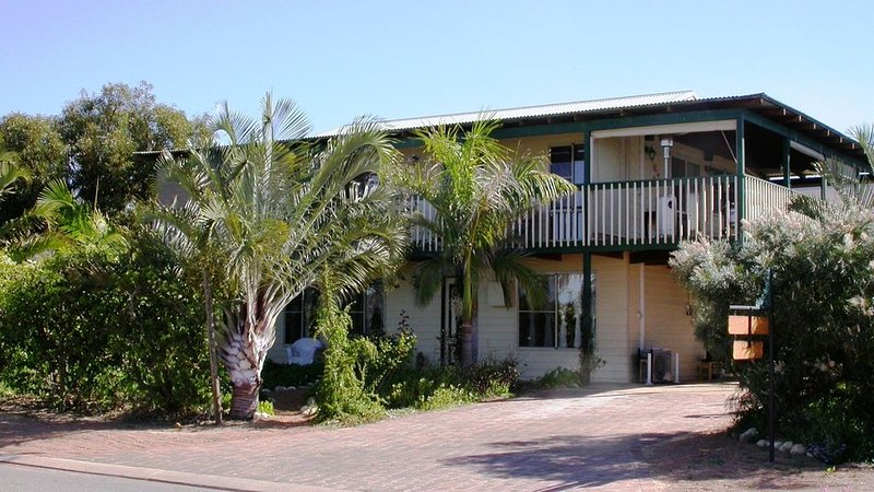 Cable Cottage Bed and Breakfast, vacation rental in Kalbarri