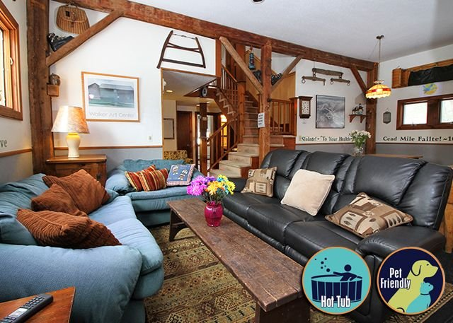 Located between Okemo and Killington with a hot tub Chestnut Farm, holiday rental in Plymouth