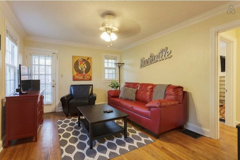 Charming 3 Bedroom Home in Hillsboro, location de vacances à Brentwood
