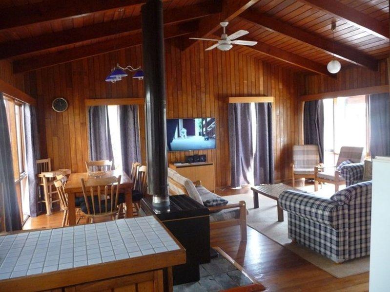 JayBees Near The Surf Beach In Ocean Grove, vacation rental in Wallington