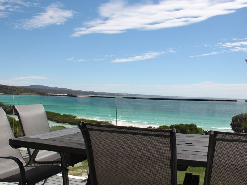 LUXURY BEACH HOUSE BINALONG at BAY OF FIRES, casa vacanza a Ansons Bay