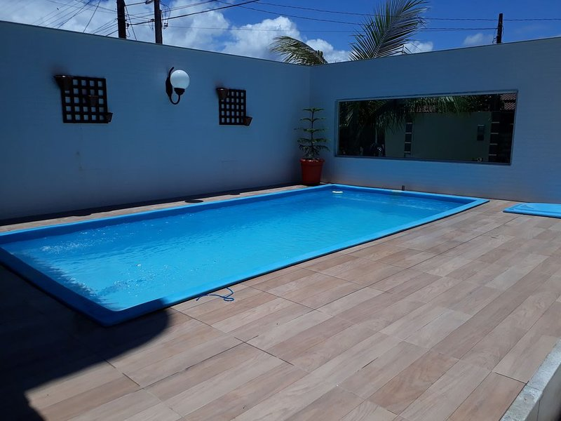 #Casa 4 Quartos, Ar condicionado, Piscina, Churrasqueira e excelente Localização, location de vacances à Alfredo Chaves