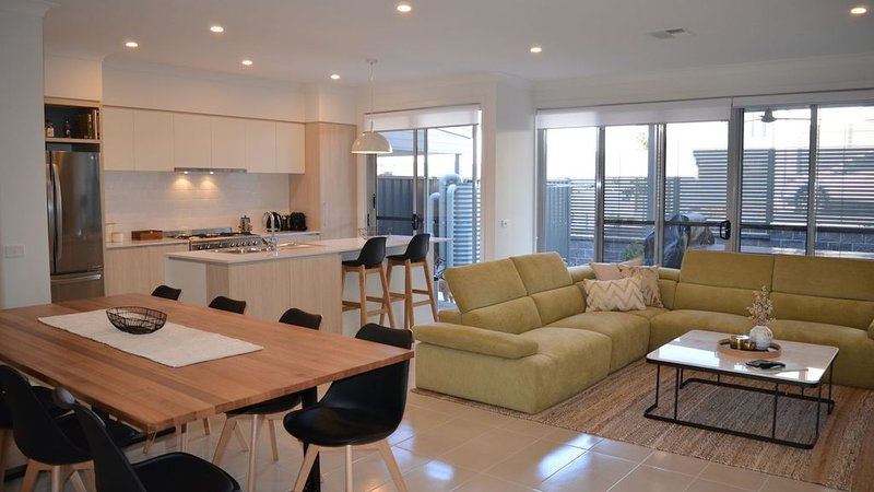 Shell Cove Beach House, vacation rental in Warilla