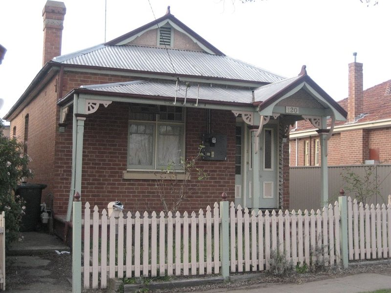 Charming Cottage in keeping with Bathurst rich federation heritage, holiday rental in Bathurst
