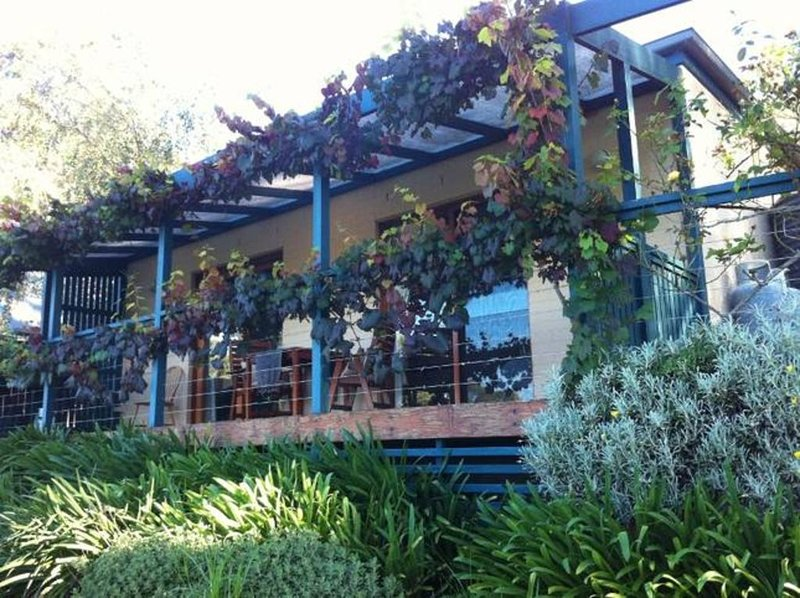 Wombat Hill Cottage B&B - small farm living in beautiful mountain country, alquiler vacacional en Bellawongarah
