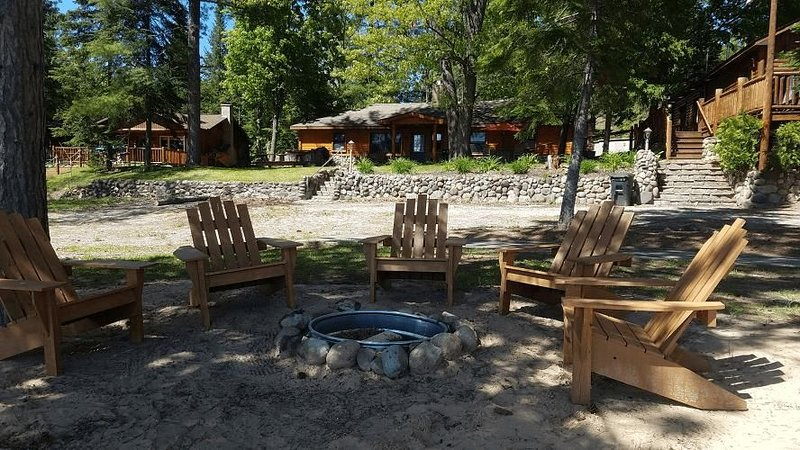 LOST LAKE GETAWAY (Hawks, MI): Cozy, all-season cabin! Right on the water!, holiday rental in Hillman