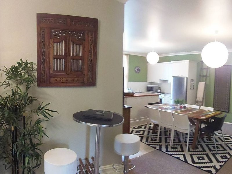 YourStay Group The Dora Hall - Very Central, holiday rental in Nashdale