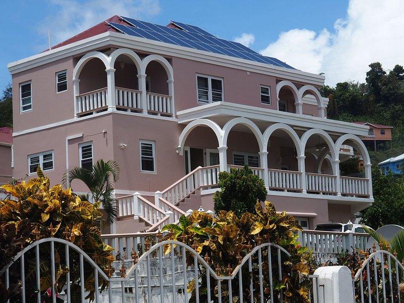 Burcasa bnb Guesthouse, holiday rental in Calliaqua