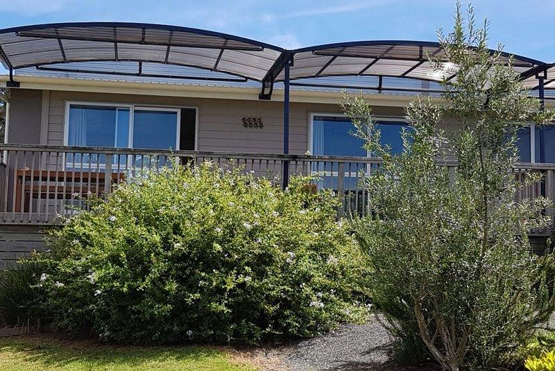 Poppawhiwhi Olives Apartment : A Couples Retreat, casa vacanza a Mangonui