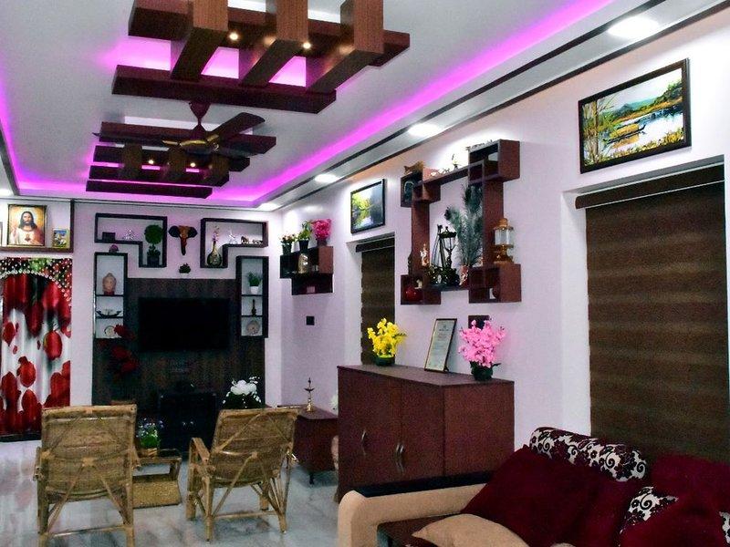 Mary Land Homestay, (a/c) Deluxe Villa.  Near Trivandrum Airport, Beach, holiday rental in Kazhakkoottam