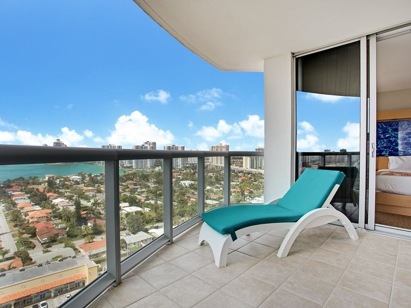 Luxury 1 BR Suite with Bayview in Marenas Resort, casa vacanza a Sunny Isles Beach
