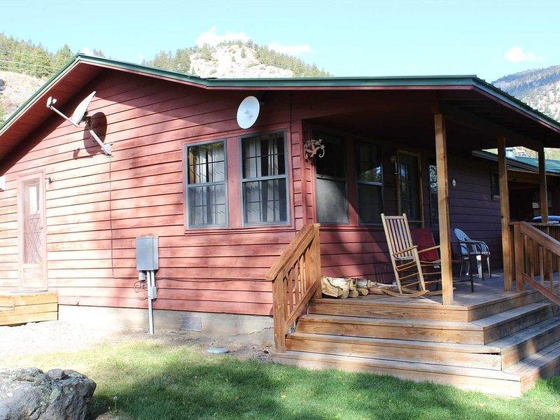 River View - Ox Yoke #5 - Great Family Cabin Along the Lake Fork of the Gunnison, casa vacanza a Lake City