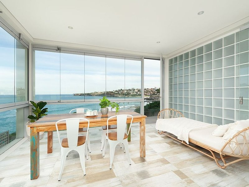 Waterfront Garden Apartment, vacation rental in Bondi