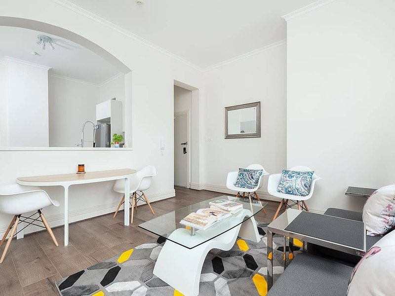 STUNNING SYDNEY HOME 5, vacation rental in Milsons Point