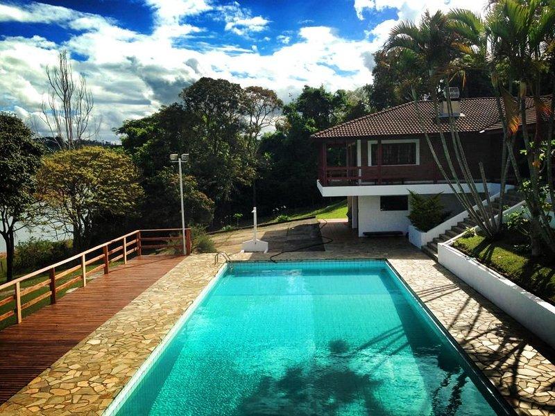 Sítio King na Represa Jaguari - 2 suítes - 9 quartos, location de vacances à Atibaia