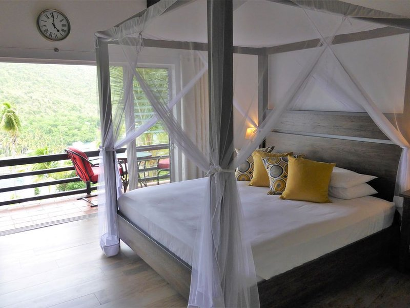 The Sandringham Suite, a romantic b&b with an amazing view, holiday rental in Anse La Raye