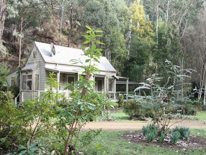 Shadybrook gardens Alpine Cottage 1 bedroom No 2, holiday rental in Smoko