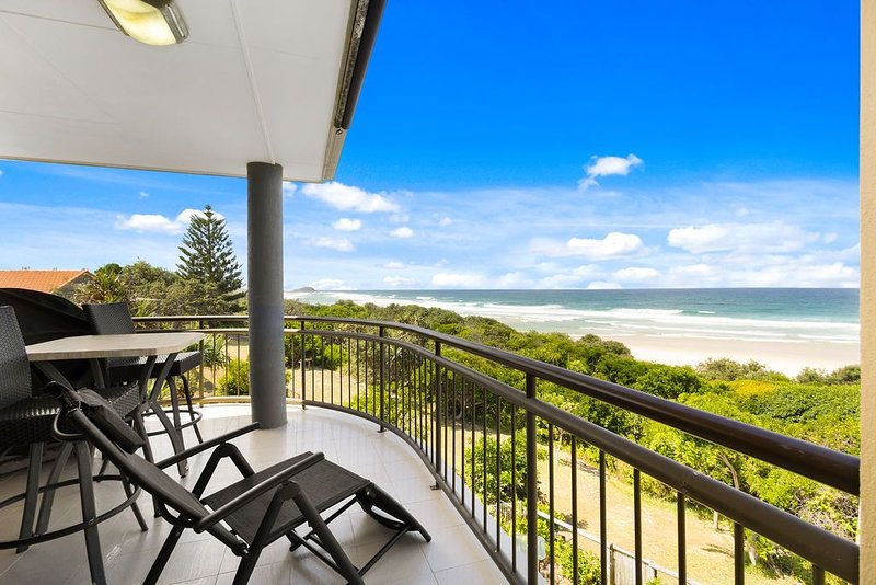 SHORELINE 9 PENTHOUSE WITH OCEAN VIEWS, holiday rental in Cabarita Beach