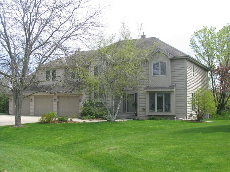 U.S. OPEN Erin Hills 5BR 2.5Bath (16 Miles from Course), vacation rental in Richfield