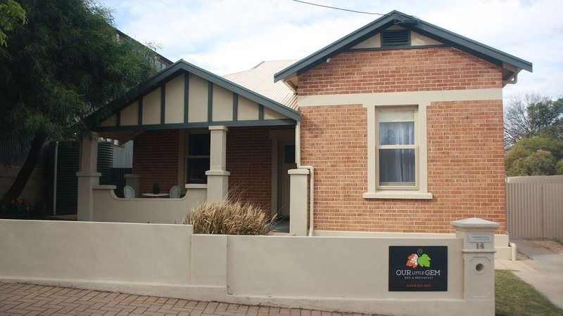 Our Little Gem B&B - 'Home away from home', vacation rental in Renmark
