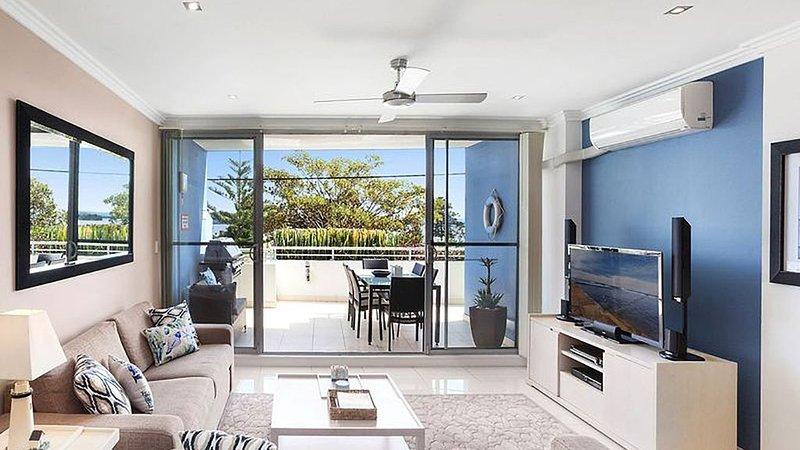 Luxury in Riveria - Apartment No. 3, alquiler vacacional en The Entrance