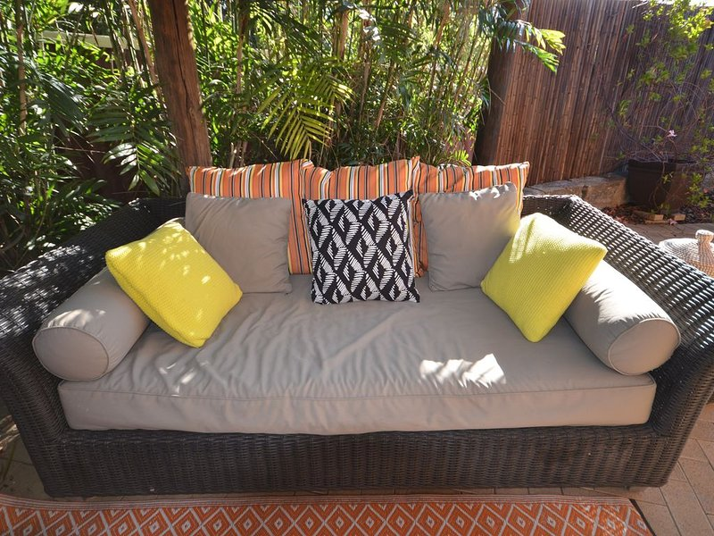 Peace and Tranquility at the Hidden Courtyard, vacation rental in Dianella