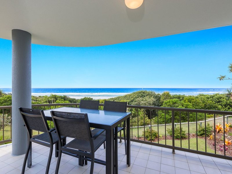 SHORELINE 6 WITH OCEAN VIEWS TO SEE THE WHALES, location de vacances à Cabarita Beach