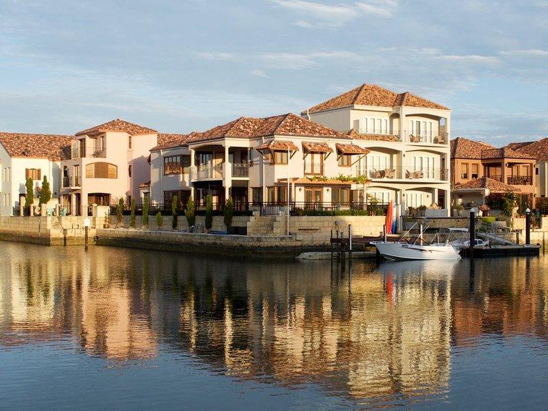 Joie de Vivre - Joy of Living, holiday rental in Lake Clifton