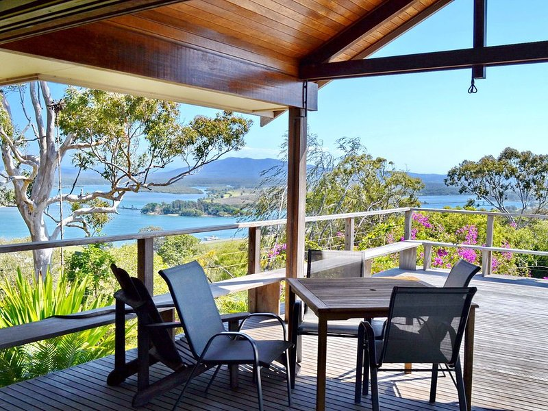 Tallowood South West Rocks, holiday rental in Yarrahapinni