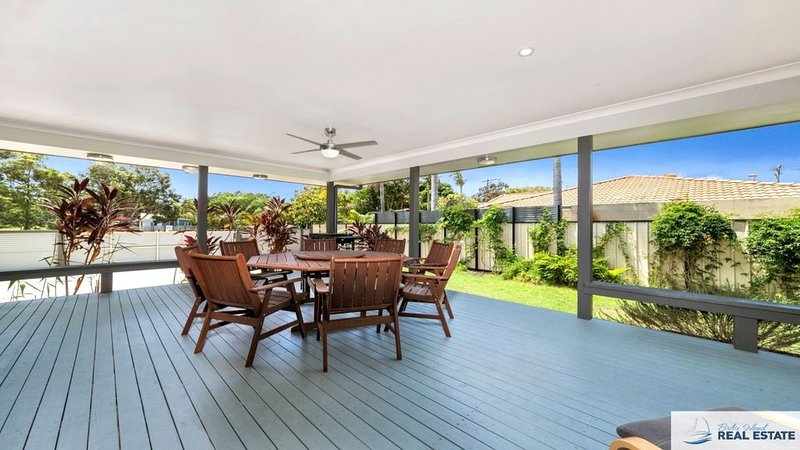 MODERN BEACHSIDE HAVEN, vacation rental in Moreton Bay Region