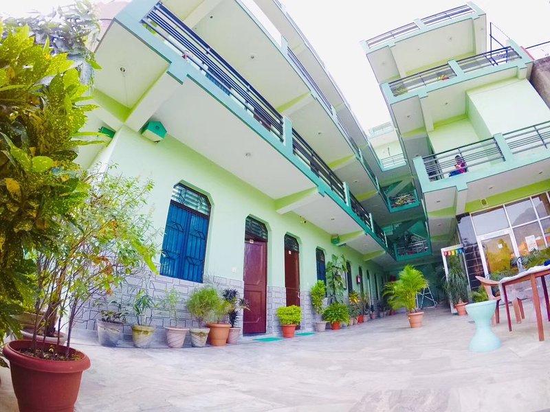 Yoga Villa - QUITE YOGA HUB, holiday rental in Tapovan