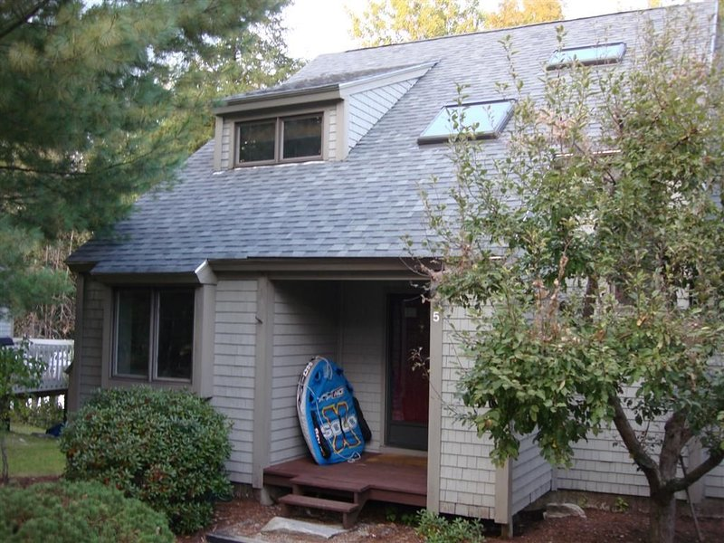 Great for Leaf Peeping -Incredible Family Getaway on Moose Pond, holiday rental in Harrison