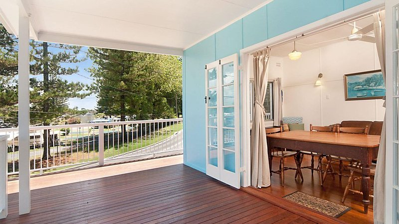 The Blue House - flat walk to river and beach, holiday rental in Maclean