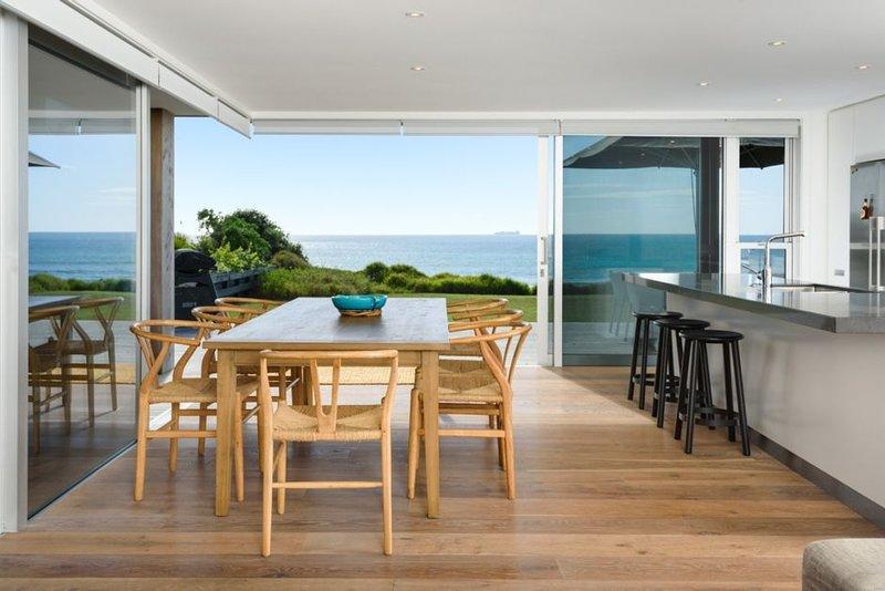 Seabreezes - Beachfront Mt Maunganui, alquiler de vacaciones en Bay of Plenty Region