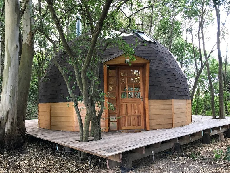 Wooden dome close to Colonia., vacation rental in Colonia del Sacramento