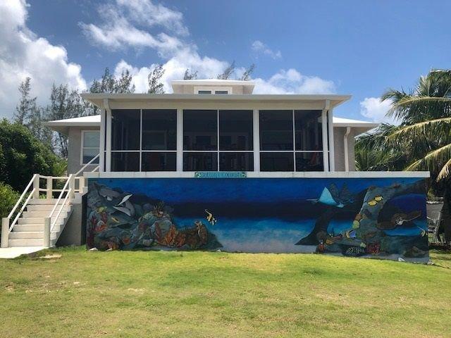 Cotton & Coconuts home 3 bedrooms 2 1/2 bath with ocean views, location de vacances à Rainbow Bay