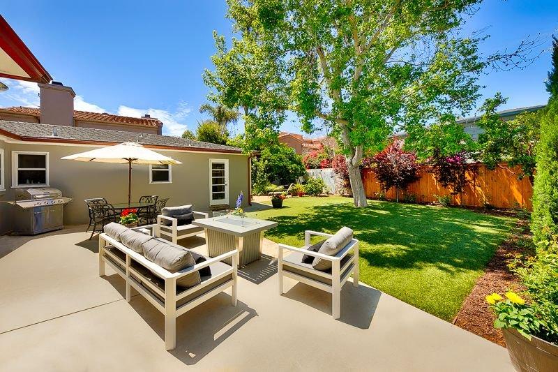 Cute & Sunny Home w/ Large Backyard, walk to beach!, vacation rental in La Jolla