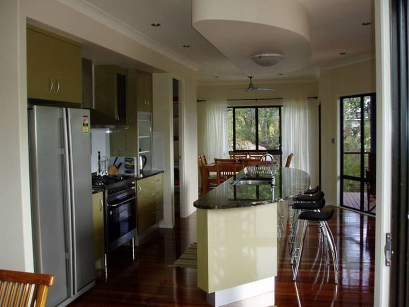 Eurolie On High at KINGFISHER BAY, vacation rental in River Heads
