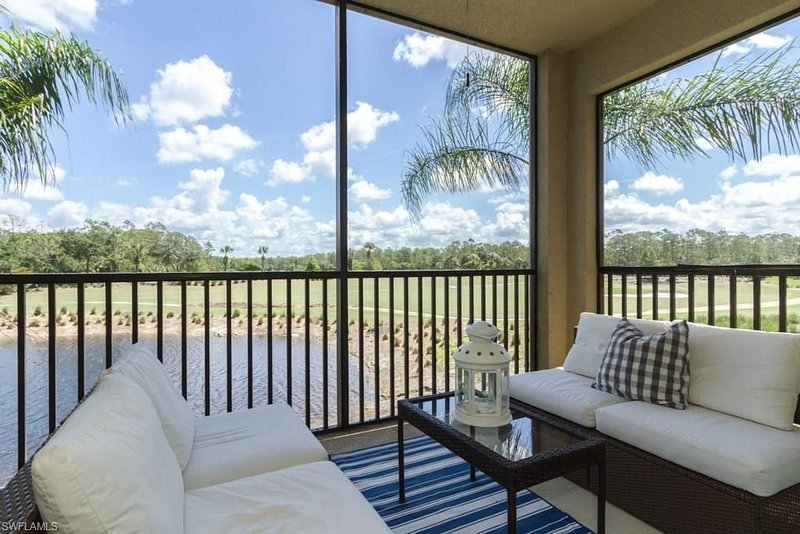 Coastal Golf Course Panoramic Views, holiday rental in Golden Gate