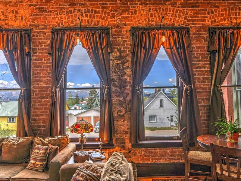 Leadville's Historic Loft w/ a Beautiful View + Sauna!, vacation rental in Leadville