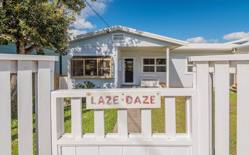 Laze Daze - Dog friendly with a short walk to beaches, vacation rental in Yamba