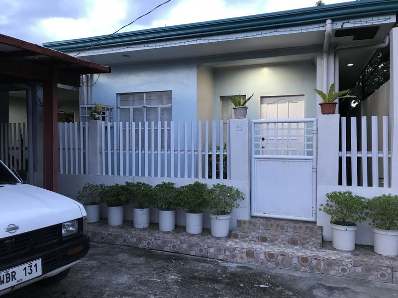 Boyet's Two Bedroom House, Tacloban City, holiday rental in Leyte Island